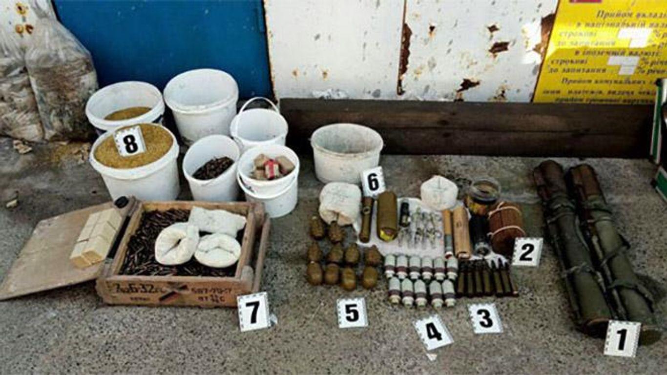 Полиция собрала «урожай» взрывчатки, оружия и боеприпасов