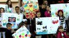 На последний звонок ученики принесли плакаты для Путина