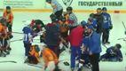"""""""Взрослые"""" разборки: юные украинские и белорусские хоккеисты подрались между собой"""