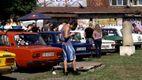 Ретро-автомобили, мотоциклы и велосипеды показали на фестивале в Киеве