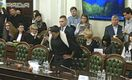 Надія Савченко принесла на комітет гранати