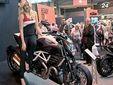 В британском Бирмингеме продолжается ежегодное мотошоу