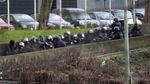 Спецназ готовится освобождать заложников, захваченных нападавшими на Сharlie Hebdo (Трансляция)