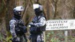 Террорист, взявший заложников в Париже, требует свободы для братьев Куаши