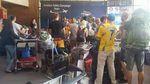 Новые приключения украинской экспедиции: при посадке самолета в Дели пробило колесо