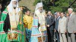 Азаров показав фото з Києва