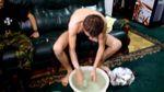 Протест з тазиком: лучанин помився у мерії