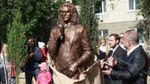 В Україні відкрили перший пам'ятник Кузьмі