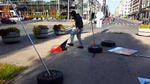 Виставку про Майдан розгромили у Латвії