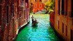 Уникальный город, который привлекает туристов тем, что медленно уходит под воду