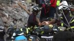 З під-завалів в Еквадорі вдалося дістати живих людей: з'явилось відео порятунку
