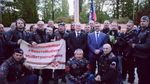 """Голова чеського краю сфотографувався з """"Нічними вовками"""" під прапором донецьких терористів"""