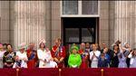 Празднование дня рождения Елизаветы II: парад, яркие наряды и авиашоу