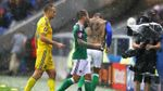 Злива і град зірвали гру між Україною та Північною Ірландією: видовищні фото