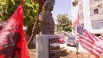 В Албанії відкрили пам'ятник Гілларі Клінтон