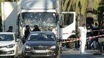 Перед нападением террорист из Ниццы делал радостные селфи на фоне злополучного грузовика