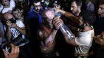 Протести у Єревані: чоловік намагався себе спалити