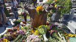 Памятник Ступке открыли на Байковом кладбище: появились фото