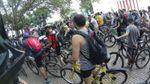 Велосипедисты устроили масштабную акцию протеста в Одессе: появились фото