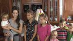 Багатодітне сімейство розповіло, як їм вдається виховувати 16 дітей