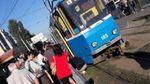 Трамвай збив велосипедиста у Вінниці: хлопець дивом вижив