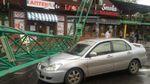 Повалены деревья и подъемный кран: непогода бушует в Одессе