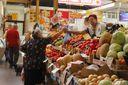 Уряд продовжить експеримент з цінами на продукти в Україні