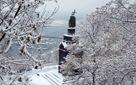 Через сильні снігопади у Києві обмежили рух транспорту