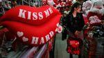 День закоханих чи свято продавців квітів та сувенірів: що приховує 14 лютого