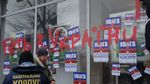 """Геть з України. Активісти розмалювали червоною фарбою відділення """"Сбербанку"""""""