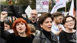У Польщі жінки вимагали не втручатися в їх особисте життя