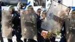 На улицах Парижа произошло столкновение между полицией и мигрантами: появилось видео