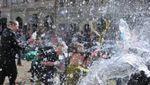 Как украинцы праздновали Обливной понедельник: яркие фото