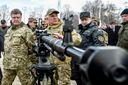 """Касьянов рассказал, почему Порошенко """"кормит"""" украинцев введением военного положения"""