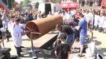 Рекордну ковбасу приготували у Тернополі