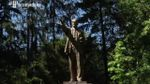 В Киеве до сих пор стоял Ленин: появилось эффектное видео, как его сносили