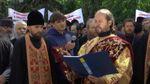 Новинський vs. Супрун: церковники влаштували мітинг і молились проти реформ