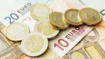 Курс валют на 1 червня: долар впав на кілька копійок, євро знову дорожчає