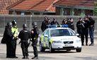 Озброєний чоловік захопив офісний центр та заручників у Британії