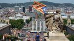 Каталонцы вышли на многотысячный митинг за независимость: яркие фото