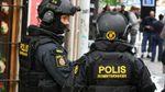 В Стокгольме грузовик протаранил несколько авто: началась масштабная спецоперация