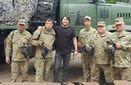 Сергей Притула провел День отца с бойцами АТО и вручил им важные подарки