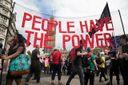 Британцы устроили в Лондоне масштабные протесты против правительства Мэй: появились фото