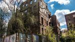 """У Дніпрі демонтували легендарний """"будинок з атлантами"""": з'явились фото"""