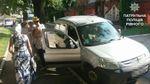 Матір у жахливу спеку залишила немовля в авто і пішла у справах