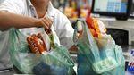 У Великобританії відмовляються від пластикових пакетів
