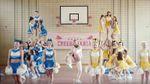 """Дорн презентовал клип на песню """"Beverly"""" в желто-голубых цветах: видео"""