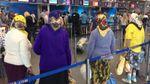 Фото дня: в мережі тішаться українськими бабусями, які летять в Будапешт