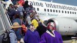 Фото з бабусями у Борисполі: в мережі розповіли, куди ж летіли пенсіонерки