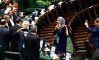 Скандал в Иране: депутаты массово бросились делать селфи с Могерини